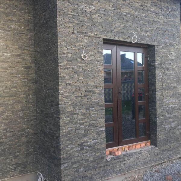 Фасад з чорного каменю Габро - соломка колота