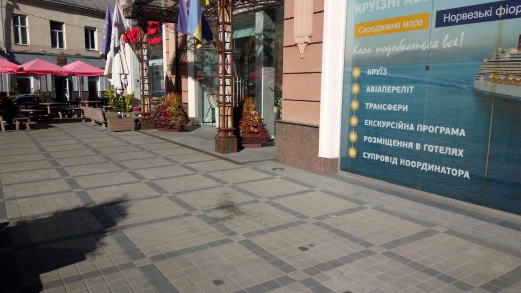 Фасад готелю RIUS (граніт Ukrainian Autumn)