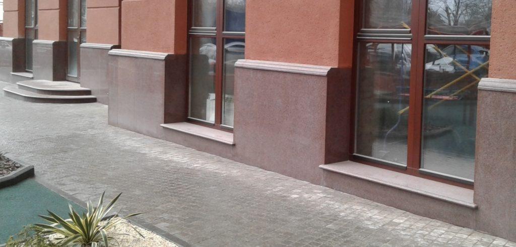 Фасад из украинского гранита
