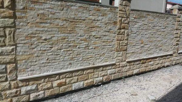 Колотая скала и соломка из Ямпольского песчаника