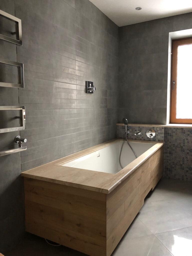Облицьована мармуром Daino Reale ванна