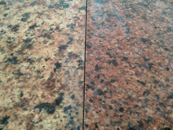 Рожевий і червоний граніт Лезніки (порівняння)