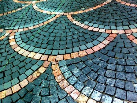 гранитная плитка колотая Bazalt