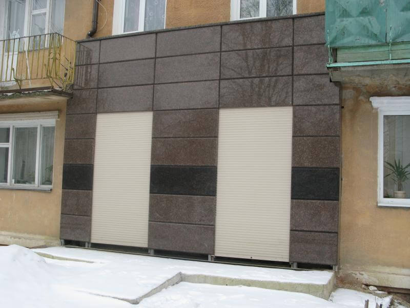 Облицовка фасада гранитной плиткой