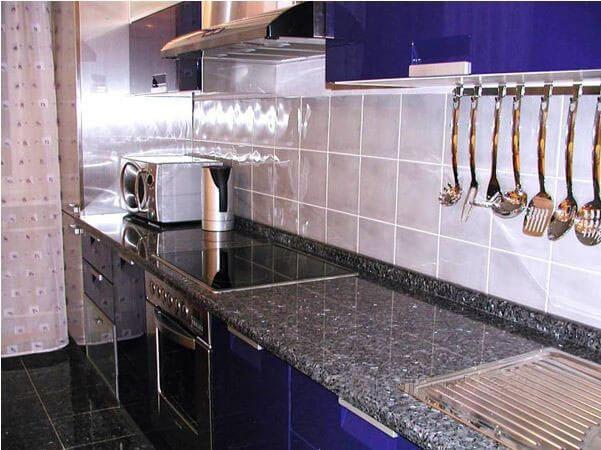 Кухонная столешница из гранита Cardinal Grey