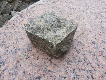 Брусчатка из Софиевского гранита (Skifiya Gold)