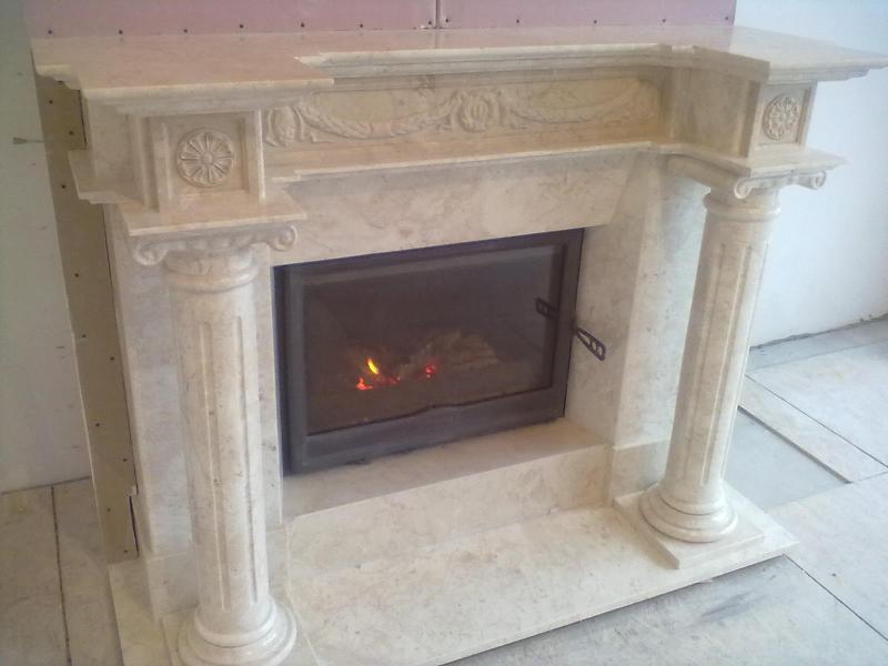 Готовый мраморный камин Афина