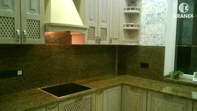 Гранитная столешница для кухни жёлтого цвета