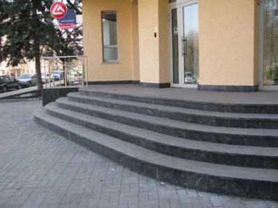 Фасад. Жежелевський граніт
