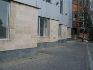 Жёлтый гранит для фасада