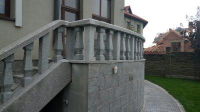Сходи й балясини з Українського сіро-жовтого граніту