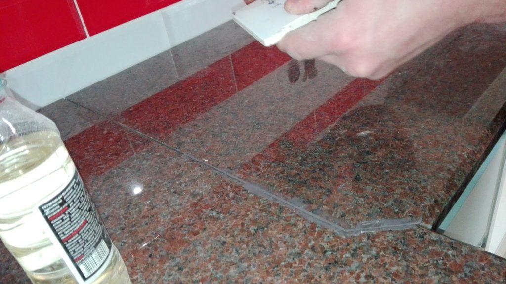 Монтаж гранитной столешницы на кухне