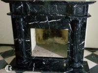 камін з мармуру