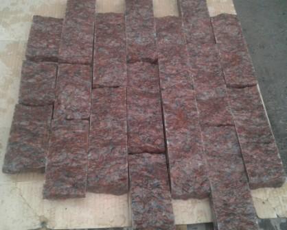 Гранитная колотая плитка-соломка красная Maroon Black