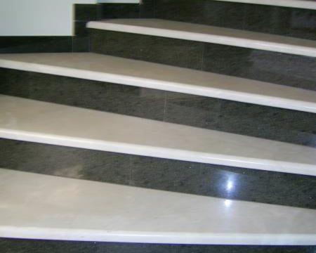 Лестница из мрамора и гранита