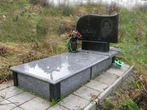 Гранітний пам'ятник О-29