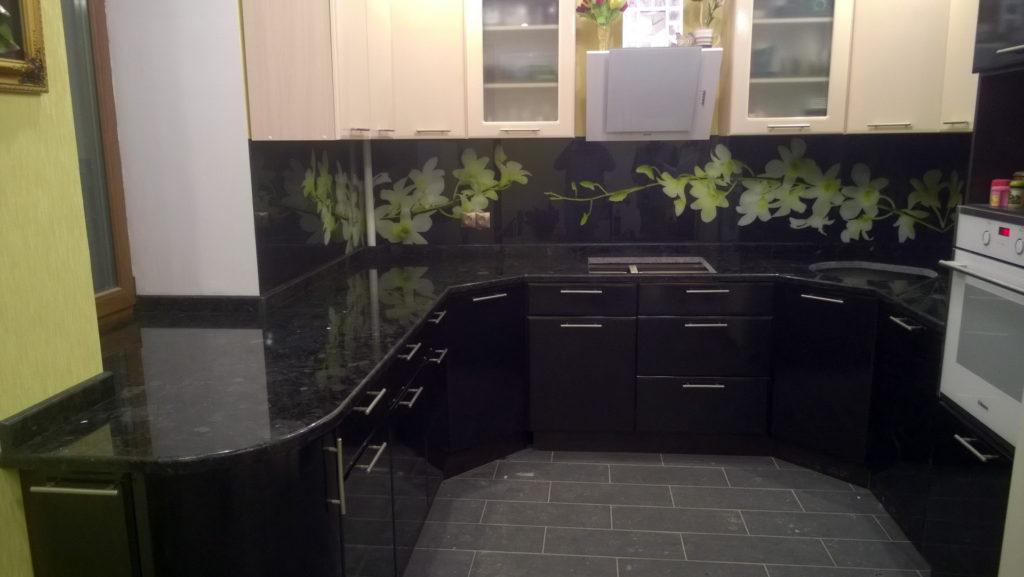Стільниця для кухні з граніту в Одесі