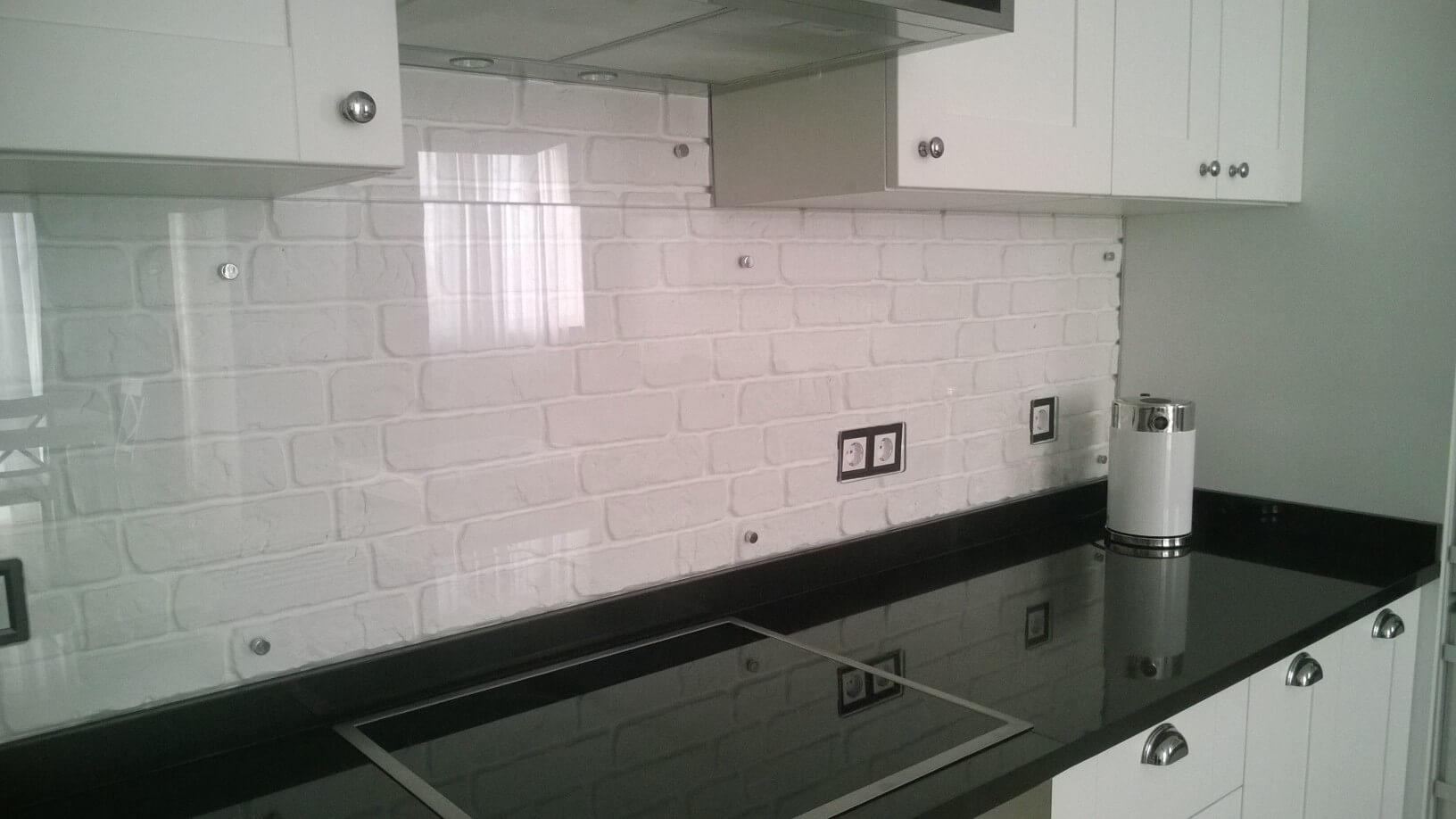 """Стільниця для кухні. Виробництво """"GRANEX""""."""
