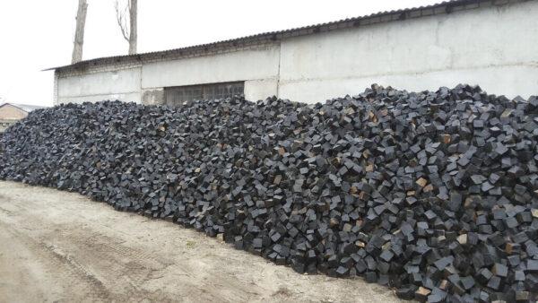 Колота бруківка з чорного каменю Базальт 20x10x10 см