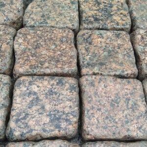 Галтована бруківка з Межиріцького граніту 10х10х3 см
