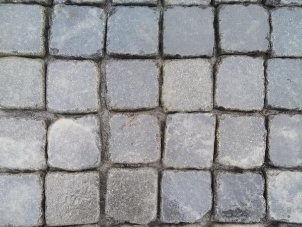 Галтованная брусчатка из камня Габбро 10х10х3 см