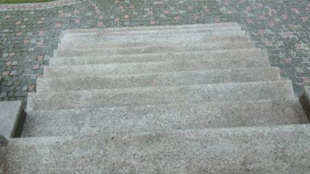 Лестница из Софиевского гранита (вид сверху)