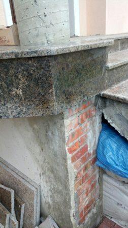 Гранитная лестница из Софиевского камня