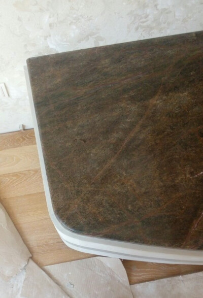 Камин из песчаника и мрамора Bidasar Brown