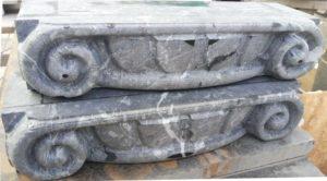 капитель для камина из мрамора