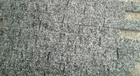 колота плитка-соломка з граніту Grey Ukraine. Львів