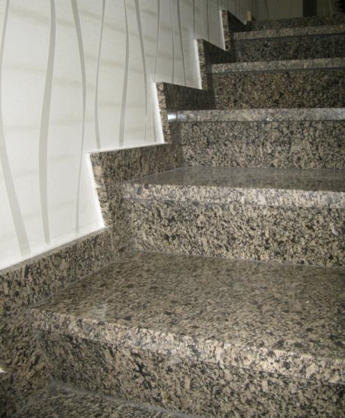 Лестница из гранита Skifiya Gold