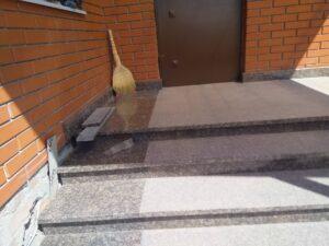 Лестница из Дидковичского гранита (установка)