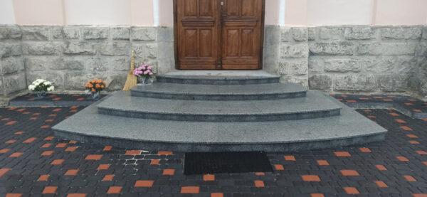 Лестница из Покостовского гранита Grey Ukraine для храма
