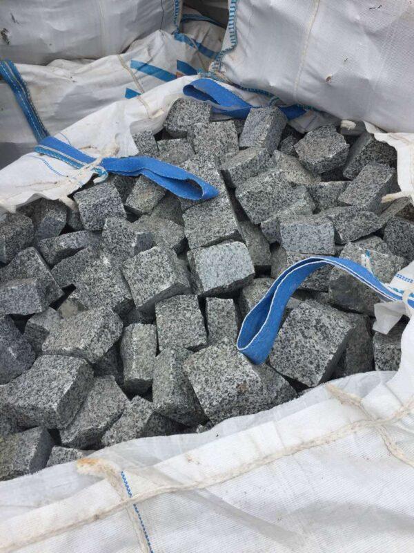 Пакування Покостівського граніту Grey Ukraine розміром 10x10x5 в біг-беги