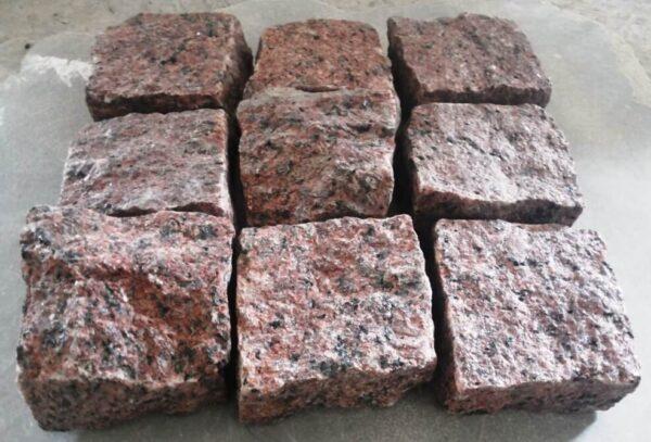 Червона колота бруківка 10x10x5 см з граніту Maple Red (9 каменів)