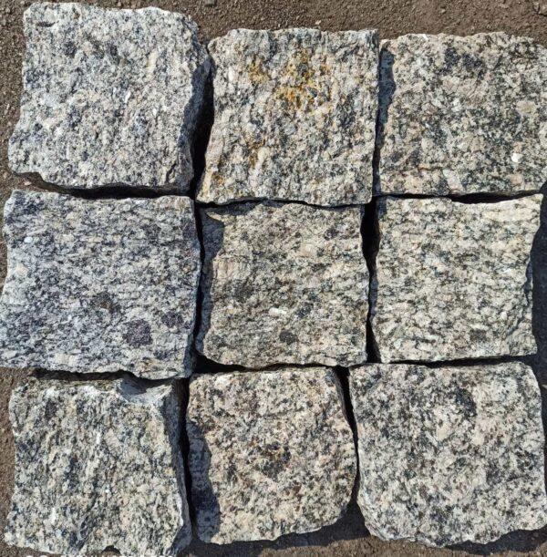 Колота бруківка з граніту Софіївського родовища (вид зверху)