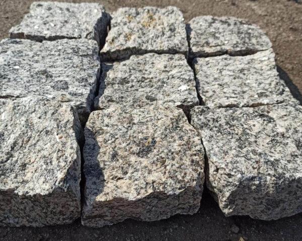 Колота бруківка Софіївка - 9 каменів