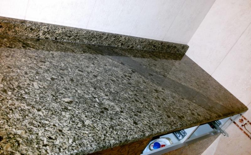 Плинтус из камня для столешницы Skifiya Gold