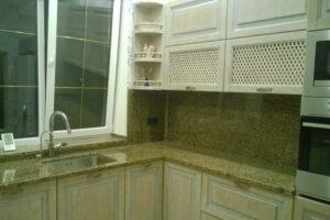 Кухонная столешница из Софиевского гранита