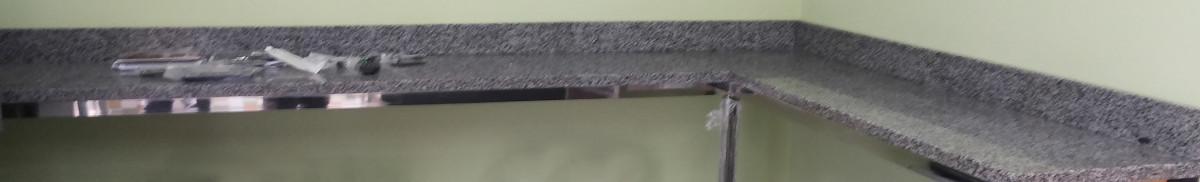 Стільниця з Покостівського граніту